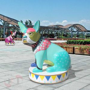 广东惠州玻璃钢雕塑厂家定制玻璃钢美陈大型雕塑动物狗 彩绘