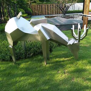 户外美陈玻璃钢鹿雕塑