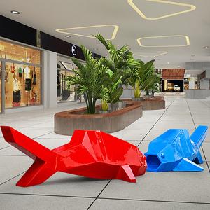 休闲飞鱼玻璃钢雕塑